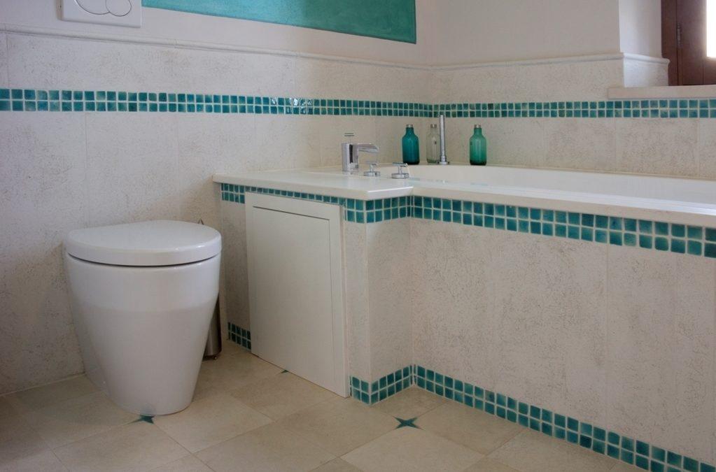 Bagno in cotto: pavimenti, rivestimenti e decorazioni